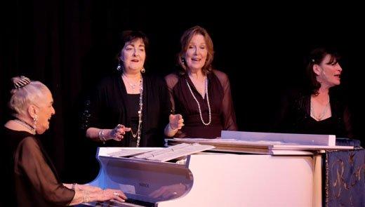 Ruth Allen Performing her original song LA LA at Canyon Theatre Guild Santa Clarita - Youtube